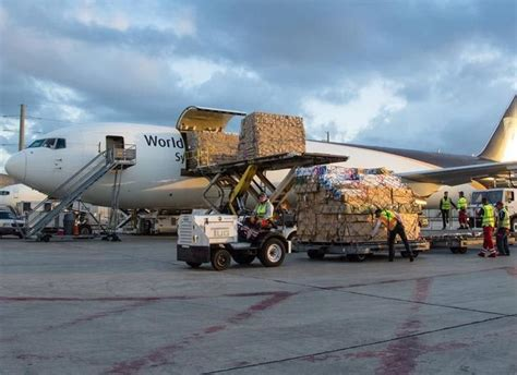 17 best images about cargo airlines ups on hong kong trucks and cologne