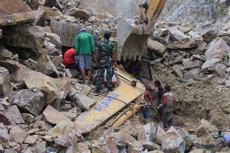 Ribuan Gunung Ribuan Alat Batu longsor batu gunung di cirebon timbun 7 orang