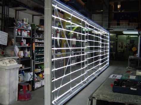 banco popolare gallarate insegne luminose al neon decorazione automezzi