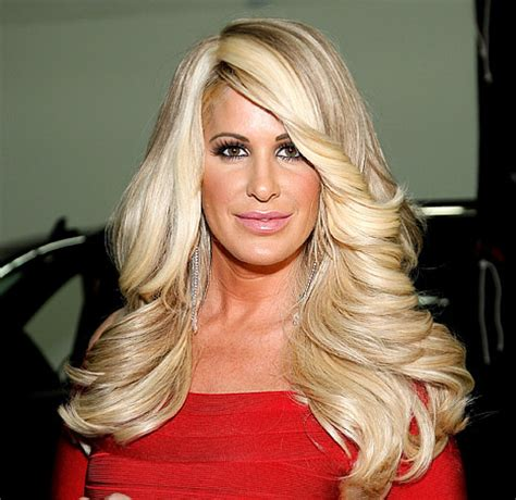 the real hair bosses of atlanta like the river salon whoa see kim zolciak without her wig us weekly