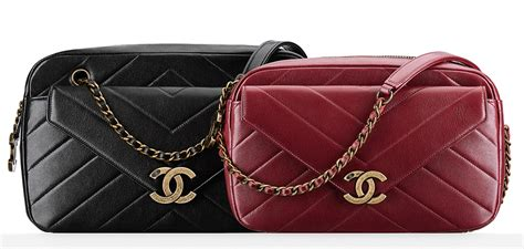 Tas Brandet Channel Boy Iridescent Chevron check out photos and prices for chanel s cruise 2016 bags