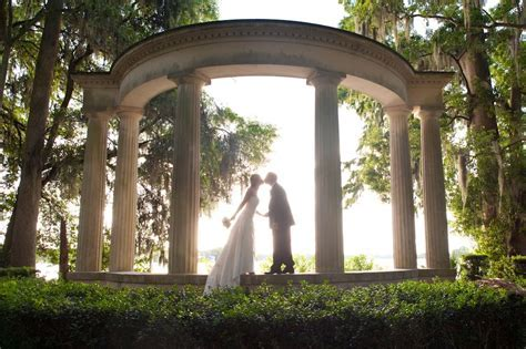 A beautiful wedding at Kraft Azalea Gardens in Winter Park
