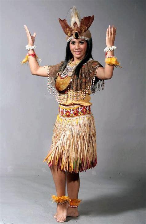 Segiempat Rumbai Dayak 10 12 inspirasi busana pengantin tradisional membuat kita makin cinta sama indonesia