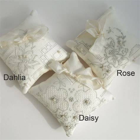 cuscini per fedi originali cuscini portafedi particolari casamia idea di immagine