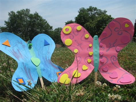 Construction Paper Butterfly Craft - construction paper butterflies preschool ideas