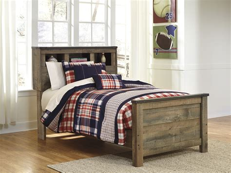 Trinell Bedroom Set by Trinell King Panel Bed Steinhafels