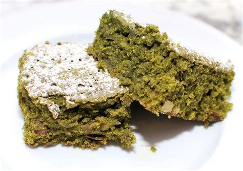Freezy Browniezz Brownies Pasir Green Tea cross and matcha green tea brownies