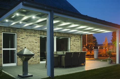 terrassendach alu alu terrassendach 0 mit solar als sonnenschutz