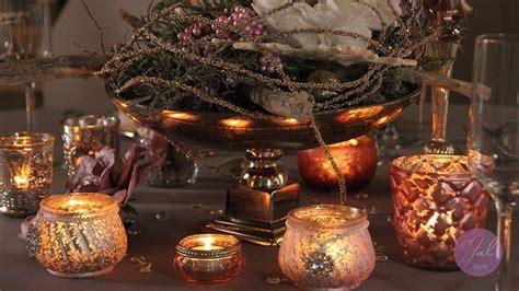 weihnachtsdeko mit teelichtern und metallschale mit