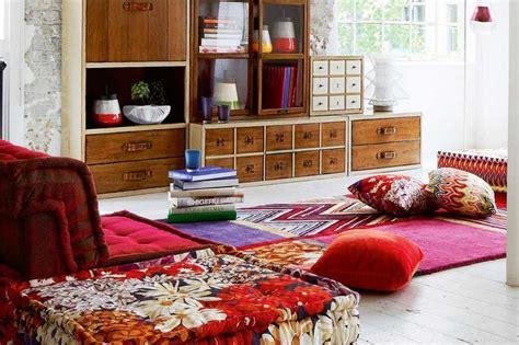 Karpet Ruang Tamu Lesehan 5 desain ruang keluarga minimalis ala lesehan yang nyaman