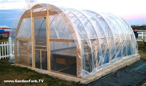 how to build a greenhouse with pvc