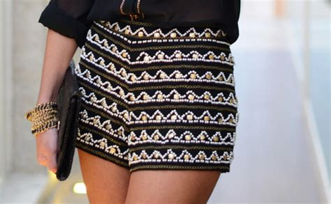 black and white patterned shorts outfit always dolled up 10 tips for wearing printed or patterned