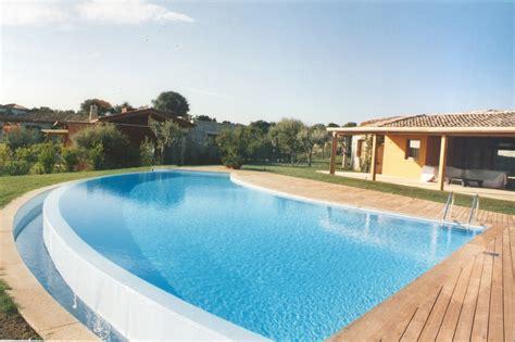 vasche piscina piscine a sfioro caratteristiche vantaggi e svantaggi