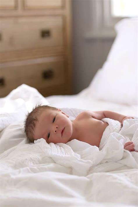 new born baby xmas photo 25 beautiful and creative photographs of newborns dzine mag