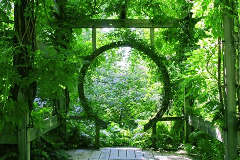 Circular Trellis 27 garden trellis and lattice ideas wood metal
