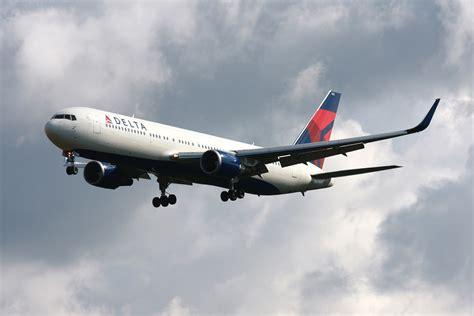 Travel Bag Jumbo By Dea Olnine delta air lines fleet