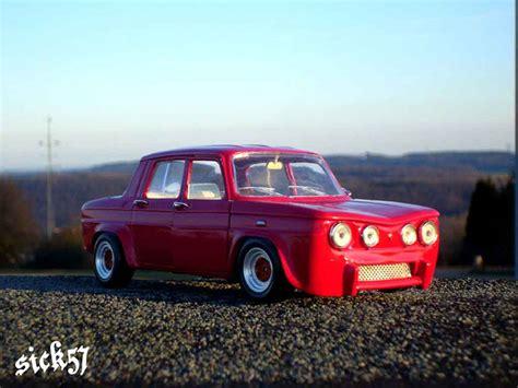 Renault 8 Gordini miniature rouge ailes larges Solido 1/18
