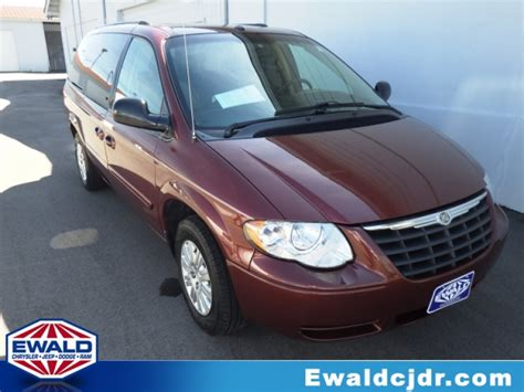Used Chrysler Minivans For Sale by New And Used Minivans For Sale In Franklin Wi Ewald Cjdr