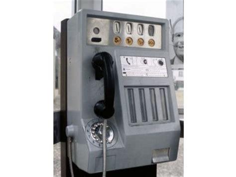 cabine telecom vers la fin des cabines t 233 l 233 phoniques le plus