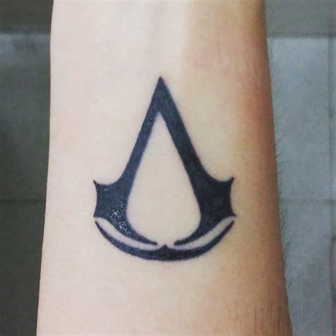 tattoo assassins creed significado assassin s creed tattoo by harley quinn16 on deviantart