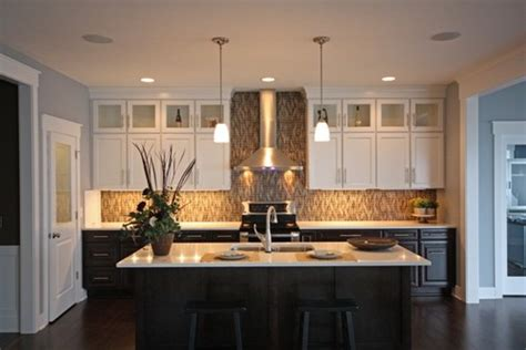 dark and light kitchen cabinets dark on bottom light on top yep kitchen plans