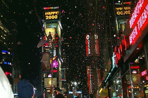 times square new years eve 2000 times square on new years eve 1999 2000 new york usa