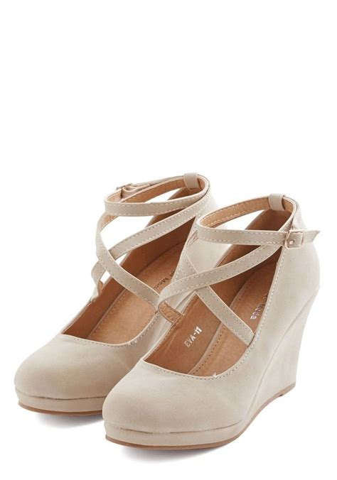 Beige Wedges For Wedding by Best 25 Wedges Ideas On Wedge Heels