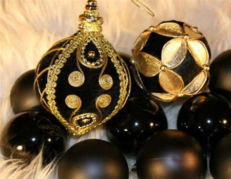 black gold christmas ornaments black and golden decorating ideas black elegance and golden chic