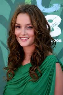 which hair style is suitable for curly hair medium height 30 best curly hairstyles for women