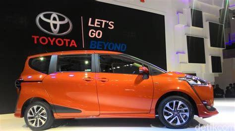 Grill Depan Grand Inova Tipe V Chrome Otomotif Mobil toyota surabaya dealer toyota surabaya toyota surabaya
