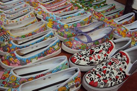 Cat Sepatu Kanvas Semarang cat quot rahasia quot racikan joni corpies merdeka