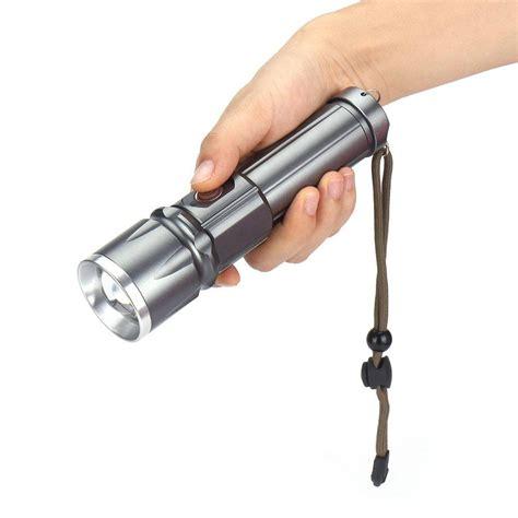 Senter Outdoor senter tactical senter outdoor yang dilengkapi dengan