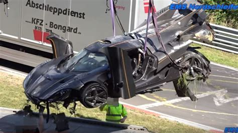 koenigsegg one 1 crash koenigsegg one 1 totaled 2 8 million eur damage