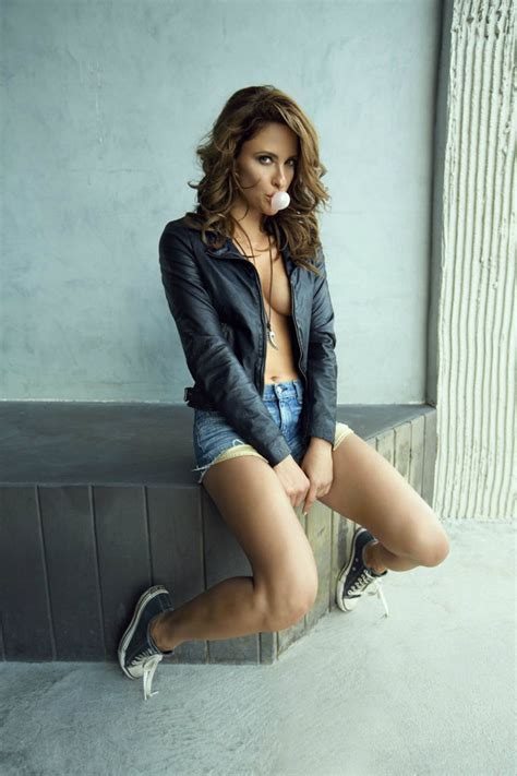 Kathy Wagner Nude - jill wagner maxim magazine october 2013 issue