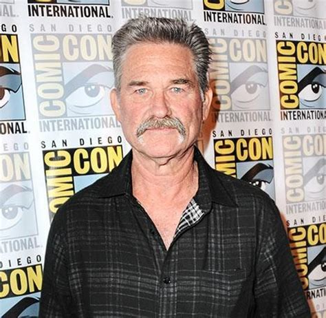 oliver hudson kurt russell father kurt russell opens up about oliver hudson s relationship