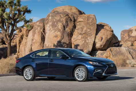 2017 lexus es 350 2017 lexus es 350 quality review the car connection