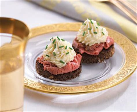 beef canapes recipes horseradish mousse topped beef canap 201 s recipe 22147