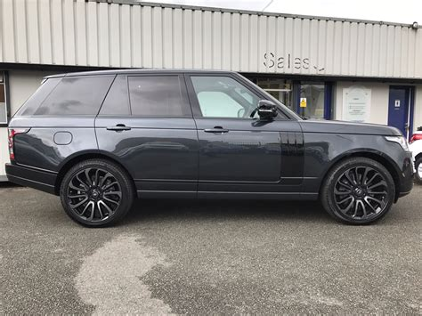 range rover business lease in review top of the range rover 4 215 4 the sdv8