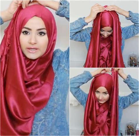 tutorial jilbab saat wisuda tutorial jilbab dengan material satin yang mudah dicoba