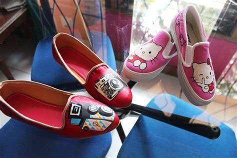 Chantiqz Sepatu Sandal Wanita Flat Kanvas Sepatu Cewek Sds89 A26 sepatu flats lukis lucu pesanan pada tanggal 17 mei 2014