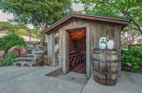 cool   beautiful garden   custom wine