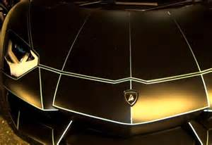 Glow In The Lamborghini At This Lamborghini S Paint Glows In The You Won T