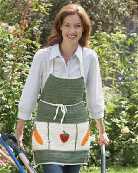 free pattern garden apron gardening apron crochet pattern favecrafts com