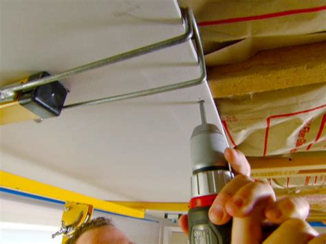 Diy Drywall Ceiling by How To Drywall A Ceiling How Tos Diy