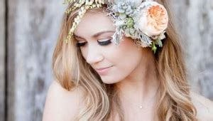 Wedding Hairstyles With Front Bangs by Wedding Hairstyles With Flower Headband