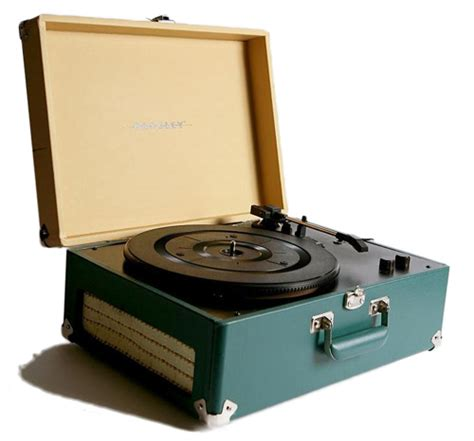 7 Amazing Turntables by 7 Amazing Turntables Lifestyle