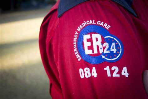 vanderbijlpark  yr  er paramedic  icu  bakkie crashes  ambulance