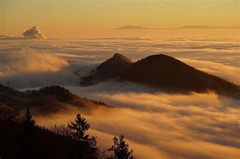 pendakian menantang badai  gunung kembang reddoorz blog