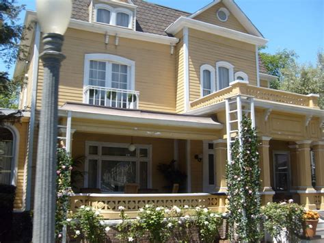 house desperate housewives photo 5853816 fanpop if you lived in wisteria lane what house would you have
