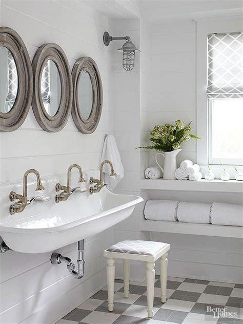 Modern Country Style Bathrooms by Best 20 Farmhouse Style Bathrooms Ideas On